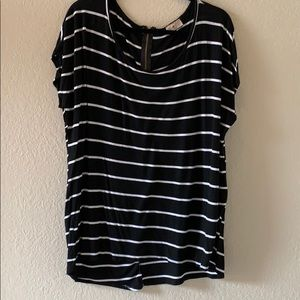 Tops - Classic black and white stripe top